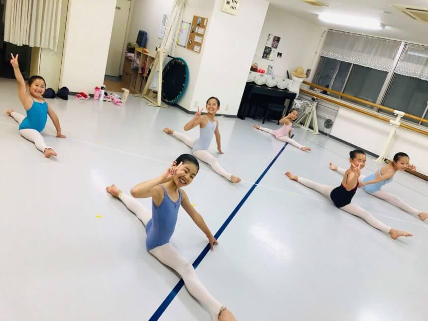 Kondo Modern Ballet 主宰 KMBアカデミー センター北スタジオ